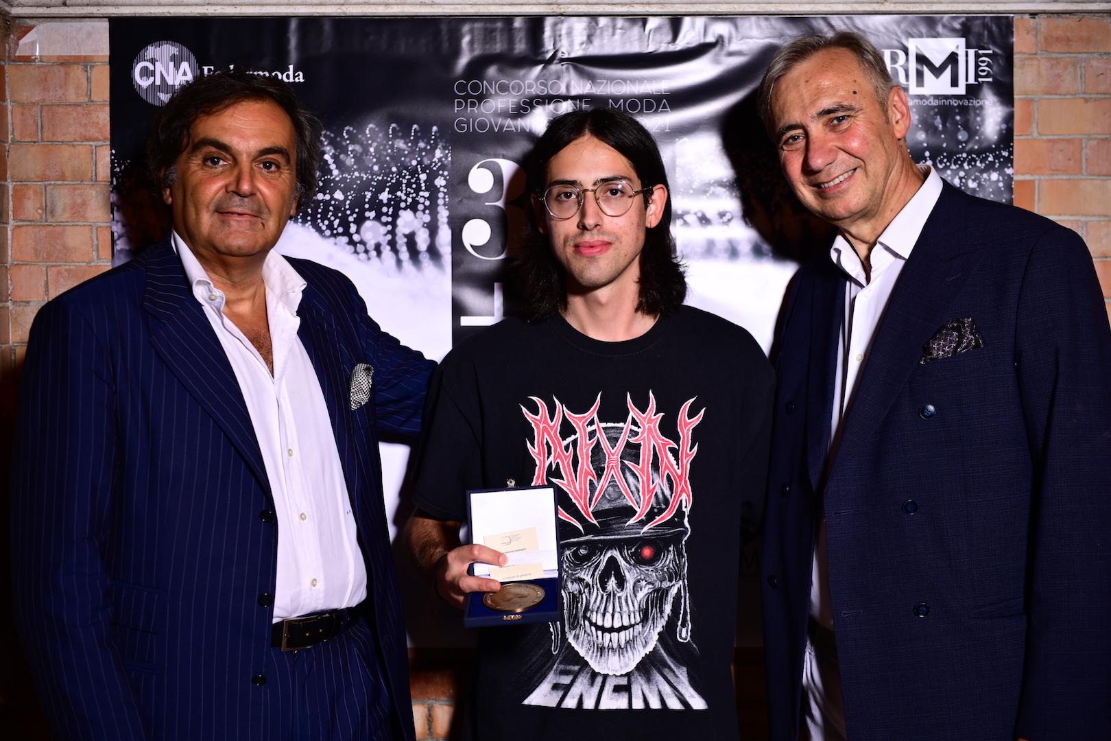 Filippo Francia vincitore assoluto del Concorso Nazionale Professione Moda Giovani Stilisti - di RMI 2021 - CNA Federmoda.