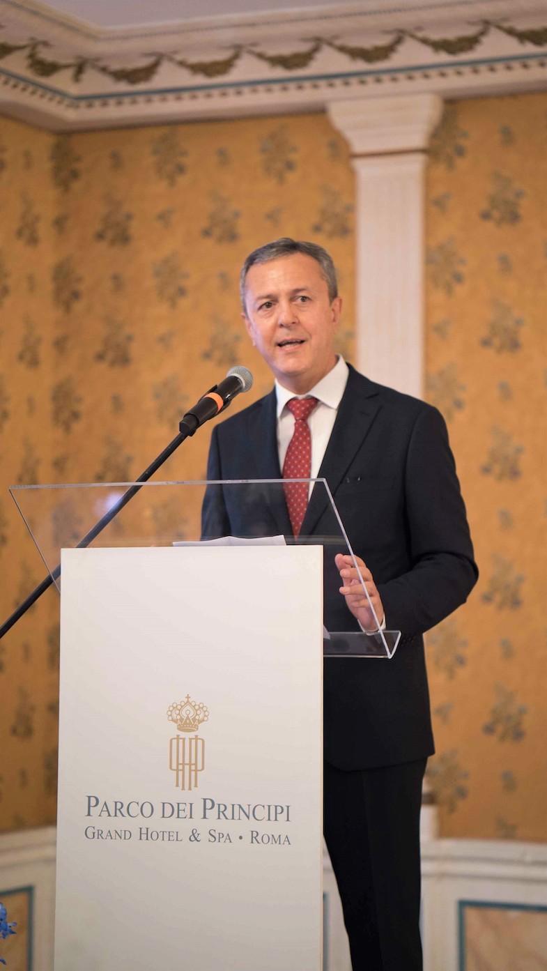 L'Ambasciatore dell'Uzbekistan in Italia Otabek Akbarov